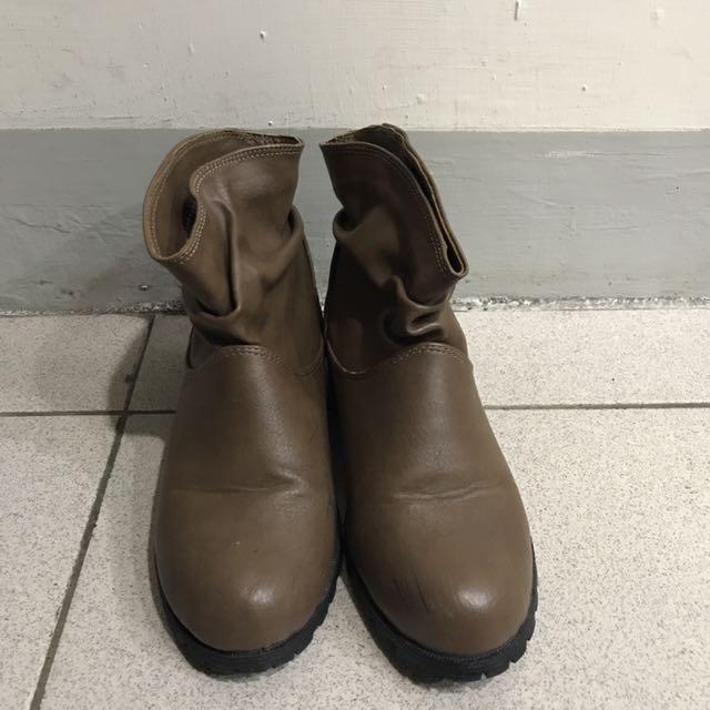 Queen Shop 咖啡色短靴