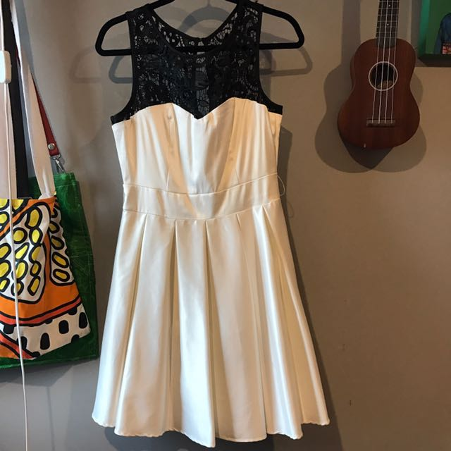 Review Audrina Dress Size 12