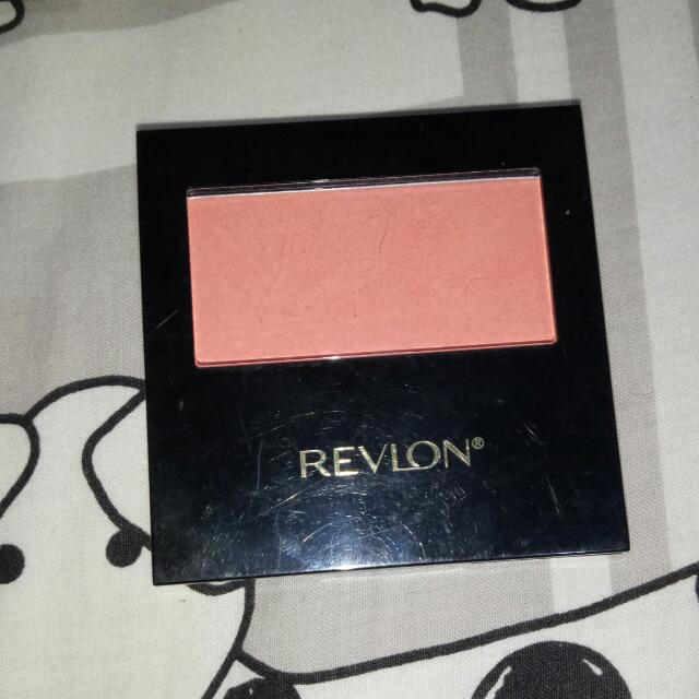 Revlon Powder Blush with brush - Classy Coral