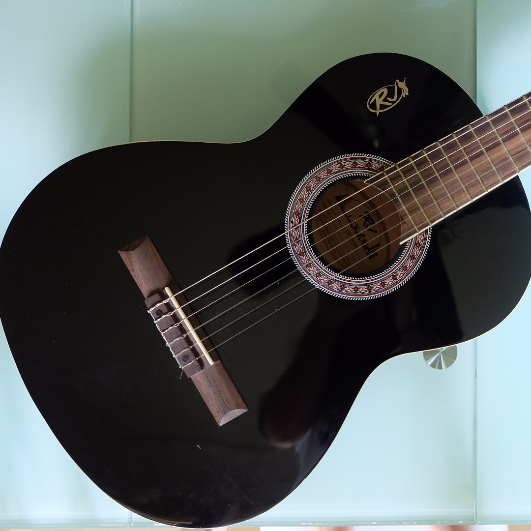 Rj Guitar With Bag And Pick Music Media Music Instruments On