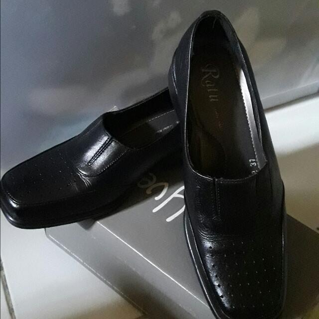Sepatu Pantofel Hak 2 Cm