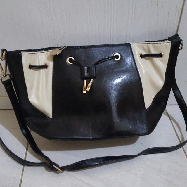 REPRICE Sling Bag