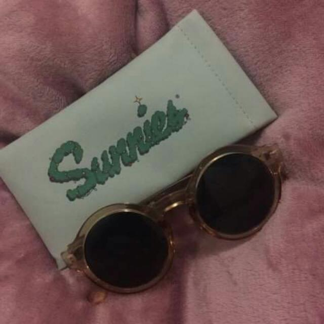 Sunnies By Charlie