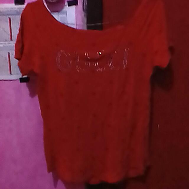 T-shirt Merah