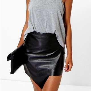 Boohoo Petite Elin Asymmetric PU Mini Skirt