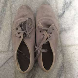 Adidas Shoes 40