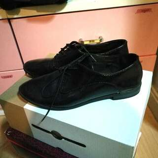 Old Navy Patent Oxfords