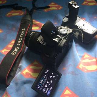 Canon 600D With Battery And charger, Battery grip.