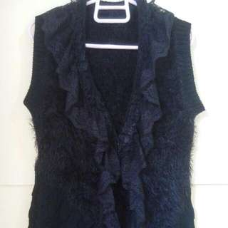 Knitted Sleeves-off Blouse