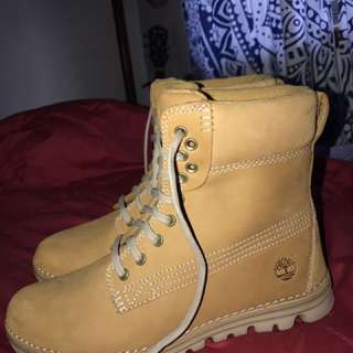 Timberlands- Mint Condition