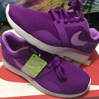 Woman's Nike Kaishi