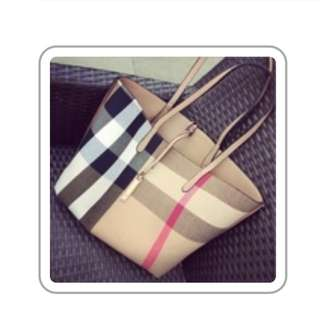 Burberry Bag With Clutch