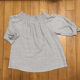 韓國製_白色條紋一字領上衣