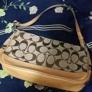 不包郵一口價 100 Coach Handbag