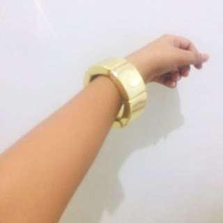 Gold  trendy bangles
