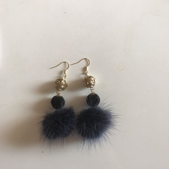 Anting Blue Pom pom Korea