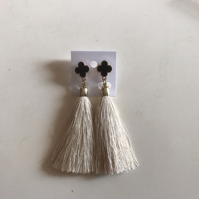Anting Tassel Korea B2