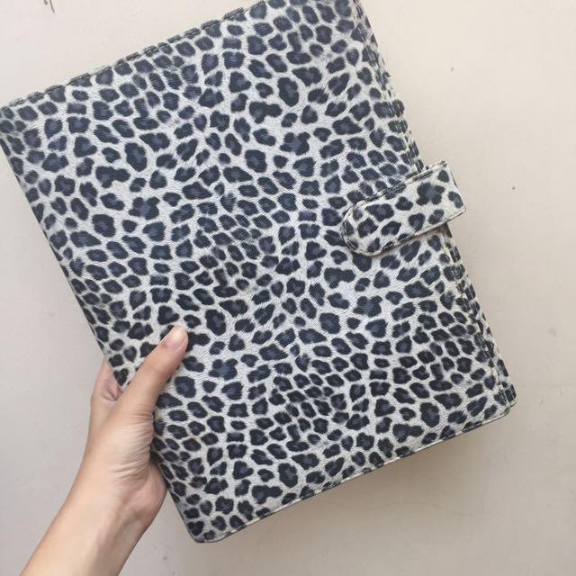 Binder Leopard Ukuran Besar