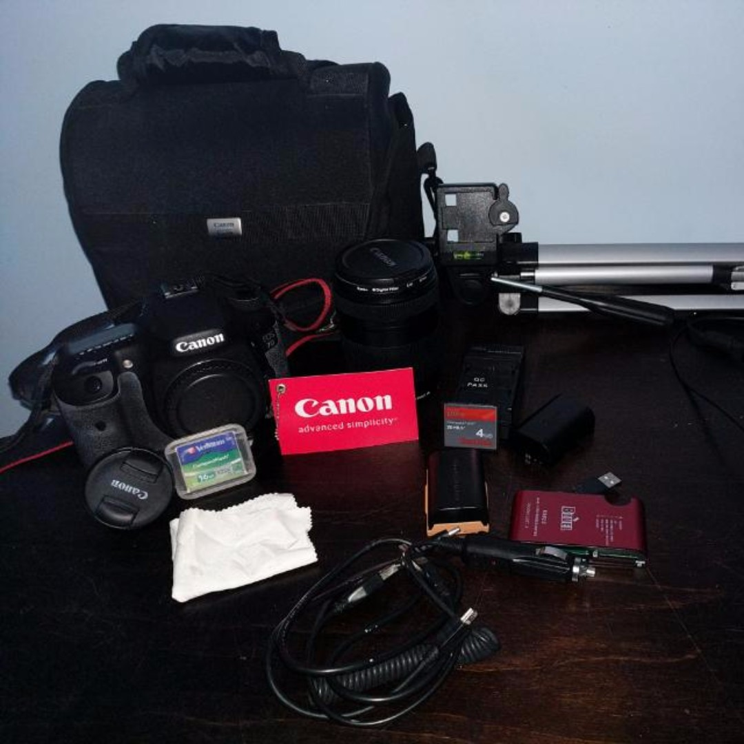 Cannon EOS 7D + Accessories (NEGOTIABLE)