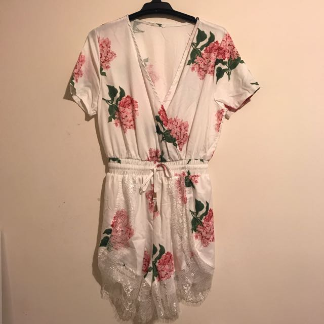 Floral Playsuit with Lace Detail Size 6-8