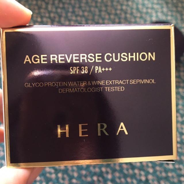 Hera Age Reverse Cushion Foundation C 21