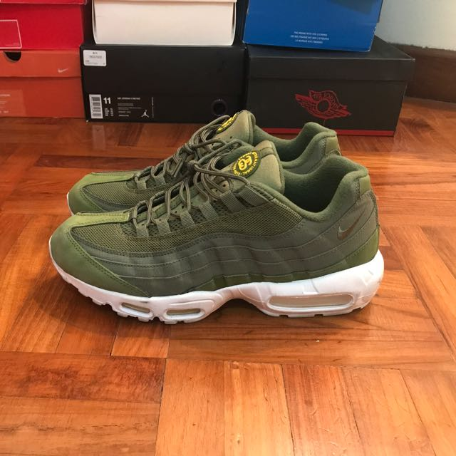 outlet store c336d 8c29a Nike Air Max 95 x Stussy, Men's Fashion, Footwear on Carousell