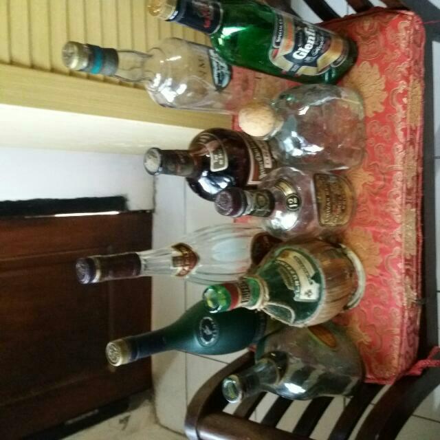 Pajangan Botol-botol