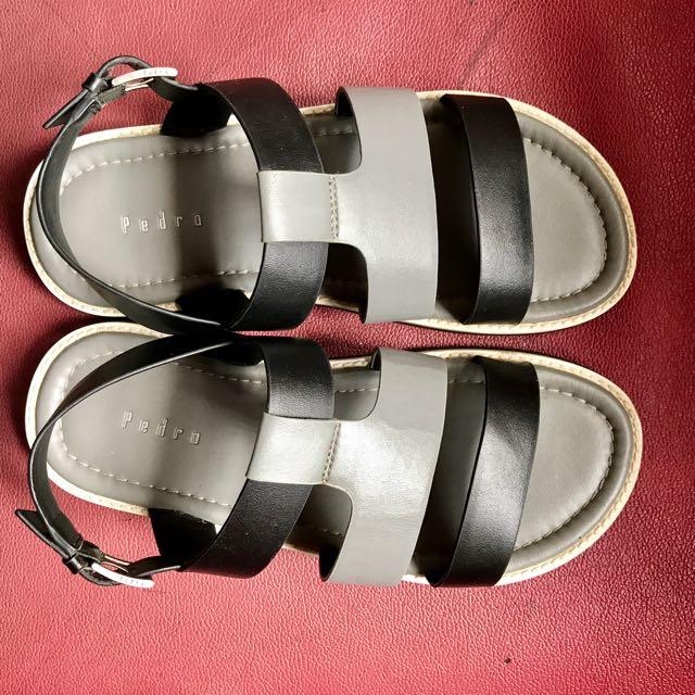 Pedro Sepatu Sendal