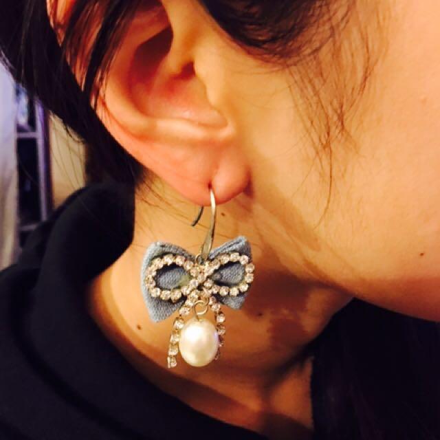 Ribbon Earring