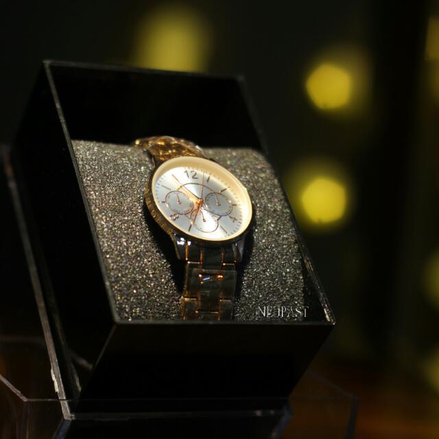 LAST PIECE SALE Rose Gold Slim Watch