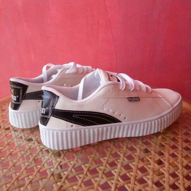 Sepatu Sneakers/ Sepatu Kets PUMA - Putih Strip Hitam