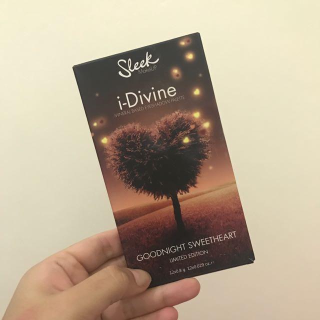 Sleek i-Divine Mineral Based Eye Shadow Palette