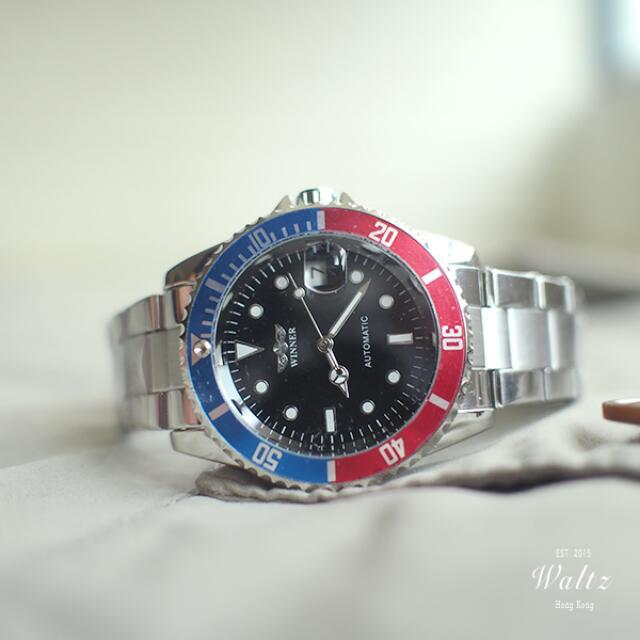 Winner 經典藍紅圈水鬼款手錶