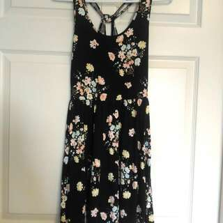Forever 21 Floral Summer Dress - Size Small