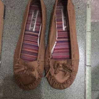 Flat Shoes Lower Eats Side