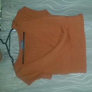 Mirrou V Neck Crop Top Size L