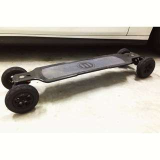 Evolve Carbon GT Electric Longboard