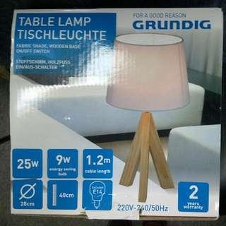 桌燈 Table Lamp Wooden Base On/Off Switch 美規雙圓腳