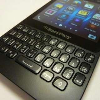 Blackberry Q5 8GB Black English Arabic