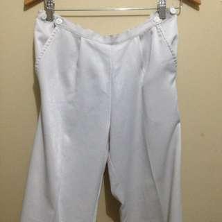 buntis white pants