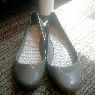 Sepatu Yumeida
