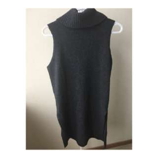 WOOL TURTLENECK SIDE SLIT VEST