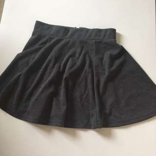 Size XS BRAND NEW GREY SKIRT