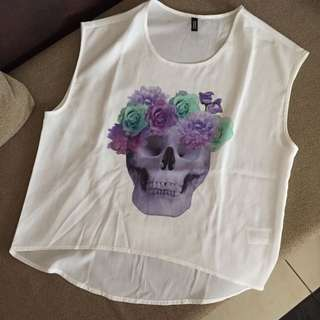 DIVIDED by H&M – Pretty Skull Sleeveless Top