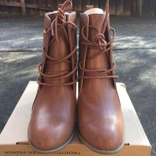 NEW Forever 21 SZ 9 Tan Brown Lace Up Ankle Boots W Chunky Heel