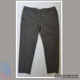 Banana republic grey cropped office pants. Size 4 (small). Php 450. Perfect Condition.