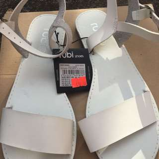 NEW Rubi SZ 37 White Sandals W Ankle Strap