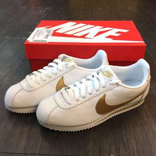 NIKE WMNS CLASSIC CORTEZ LEATHER 阿甘鞋 白金配色🎀807471 106
