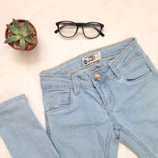 Terranova Lightwash Lowrise Jeans