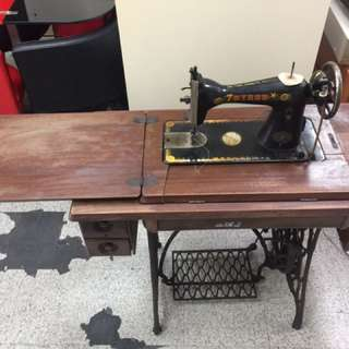 古董免插電裁縫機